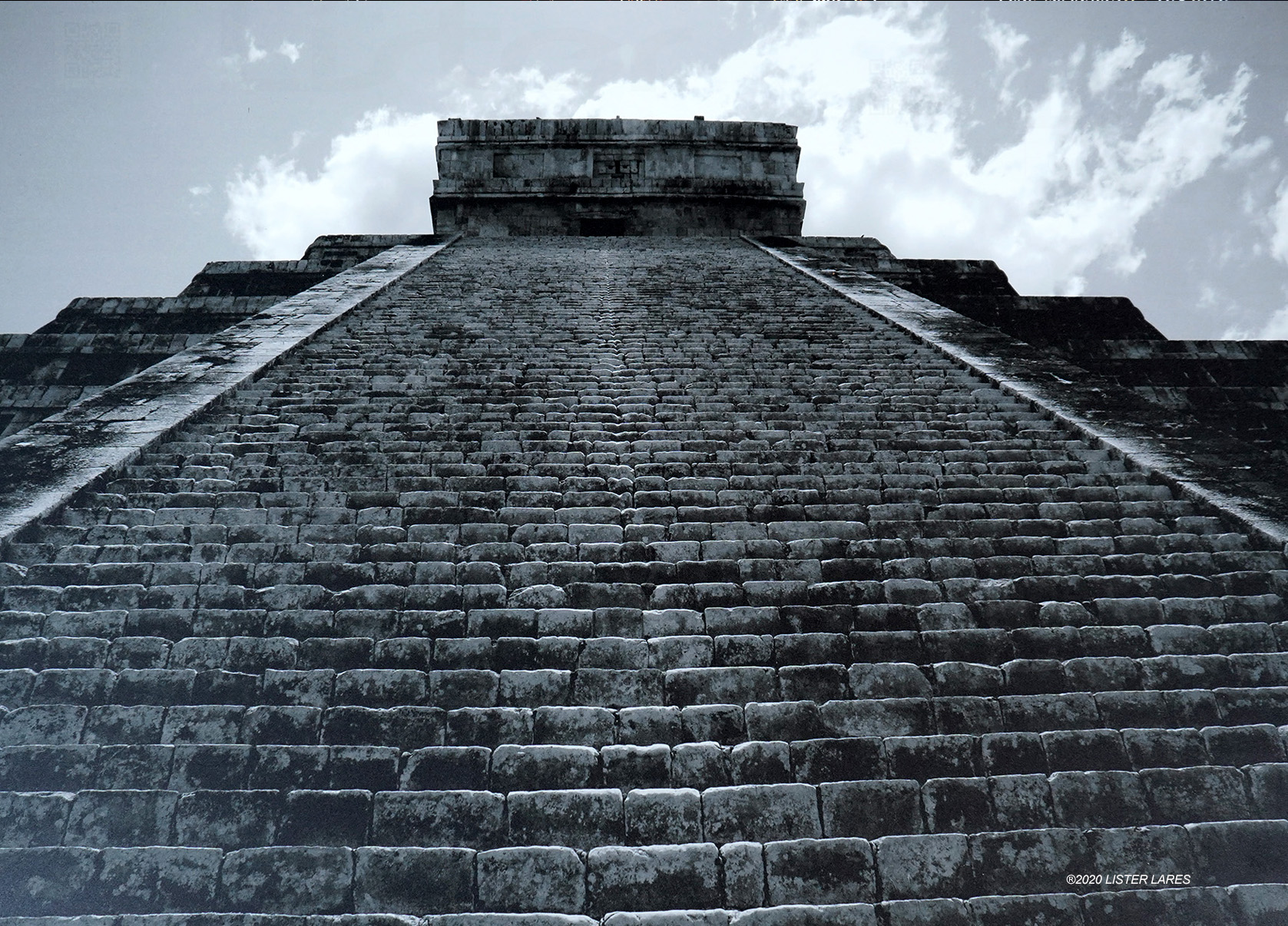 CHICHEN_ITZA_MEXICO_00